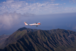 mt. ka'ala, airplane, glider plane, honolulu, soaring, north shore oahu
